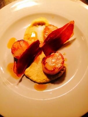 Seared scallops with San Danielle bacon, cauliflower puree and chorizo oil