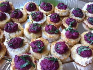 Beetroot hummus crostinis, a colourful canape!