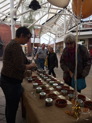 Our Nikki showcasing our range of 21 loose leaf teas, everything from a very decent English Breakfast to rare white and green teas!